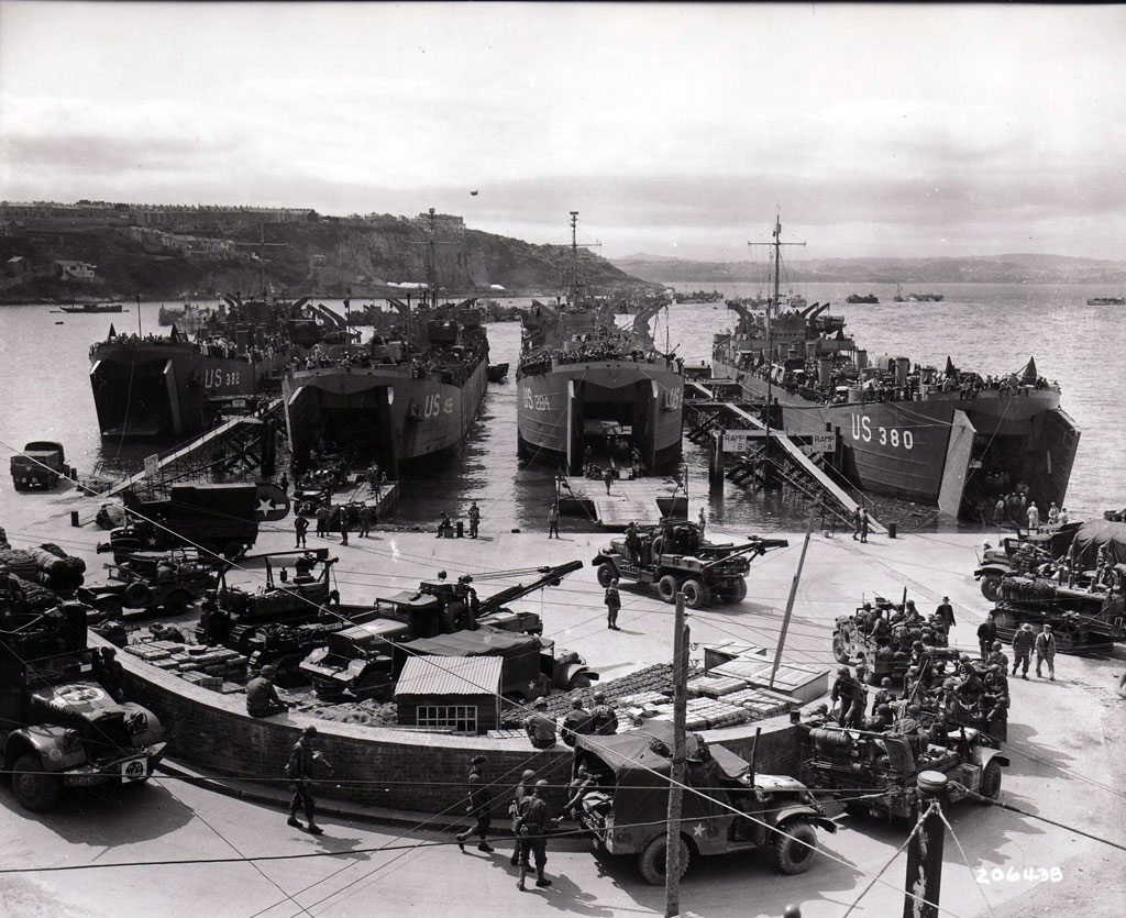 An artillery unit bound for Normandy