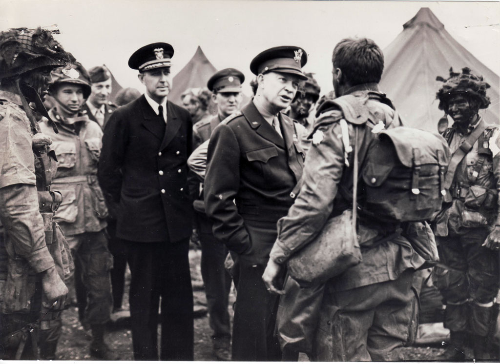 Eisenhower with paratroopers from the 101st Airborne Division at Greenham Common in the Berkshire Downs, June 5, 1944.
